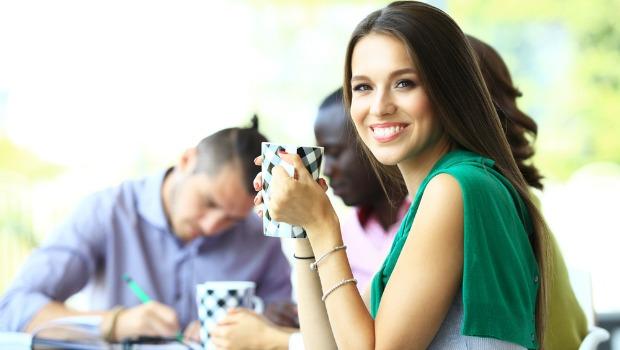 Deja que la felicidad tenga un efecto positivo en tu resultado final