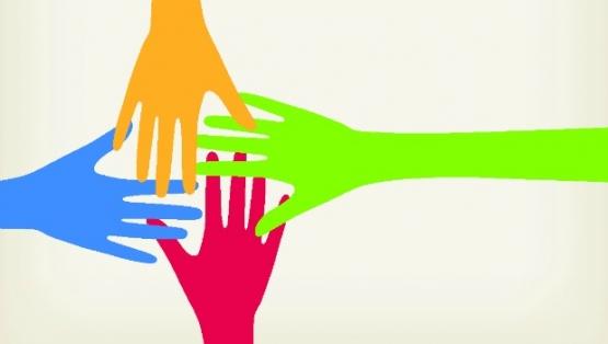 Ilustración: manos de distintos colores